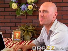 Brazzers - Whorey Blonde Barista Samantha Saint Gets Pounded By Johnny Sins