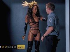 Ebony Work of art  Demi Sutra  makes cops dream come - Brazzers