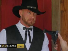 Cowgirls Lela Star & Molly Stewart lick pussy in prison - Brazzers