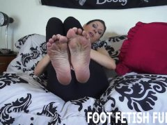 Femdom Sole Rubdown And Soles Worshipping Videos