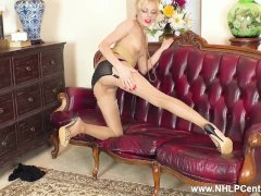 Dirty Platinum-blonde April Paisley Milks In Tights Wedges Cunt With Nylons
