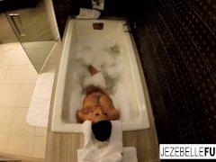 Sexy Jezebelle Bond Films Herself Taking A Bath