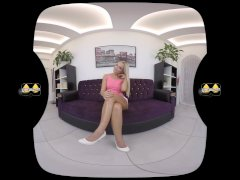 Wetting Her Hotpants In Vr