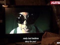 LETSDOEIT - Kinky Duitse tiener misbruikt Hardcore op Sado&Maso Session