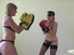 Las tetazas de la Boxeadora