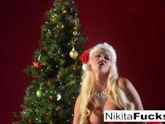Nikita celebrates Christmas with her pussy