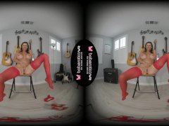 Solo brunette milf, Alexis Fawx is masturbating, in VR