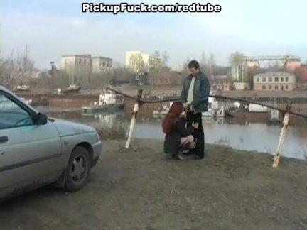 Парень снял девку с улицы и отодрал в салоне автомобиля