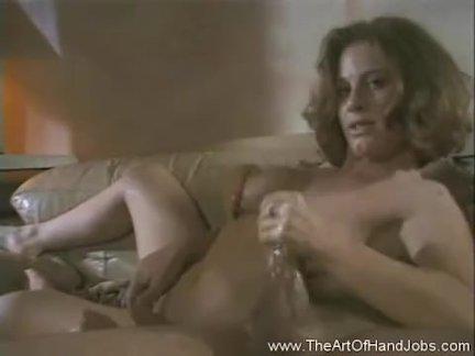 Секс когда у девушкиголова в коробке