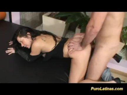 Домашний анальный секс крупным планом