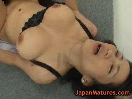 Нацуми китахара - трах по четыре мужчины