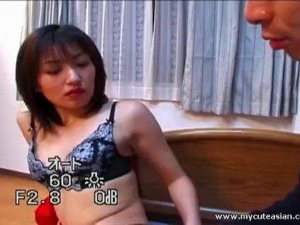 Красивая блондинка соблазнила азиата