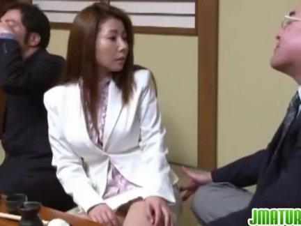 Азиатка и ее развратный доктор