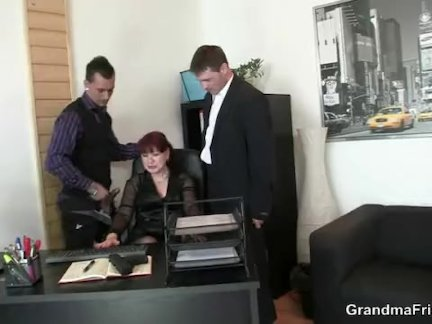 Русская блядь Валя стала героиней музыкального клипа