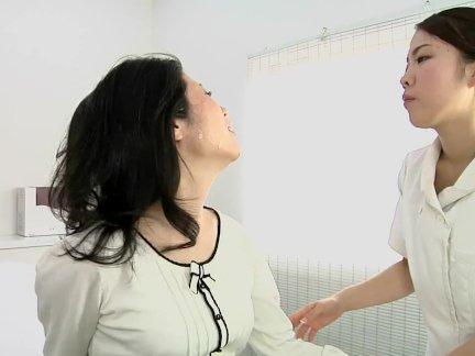 Натянул жену друга в похлюпывающее влагалище