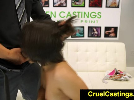 Кавалер жестко ебет девушку в форме во все жаркие дырочки