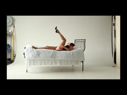Одри играть ничуть ту в постели