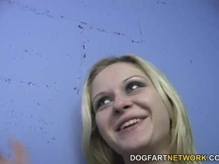 Блондинка шлюха аралин барра любит проститутка