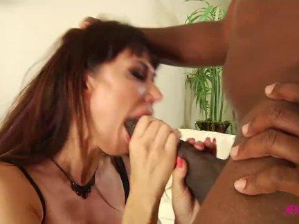 ИФ. Ева Карера любит монстр черный член секс