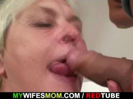 Возбужденный пьяный бабушка приманки ее сын-в-законе