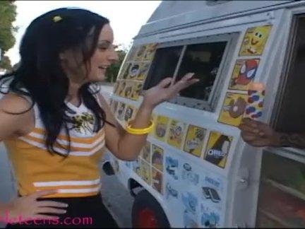 Мороженое грузовик подросток болельщик - шлёпает