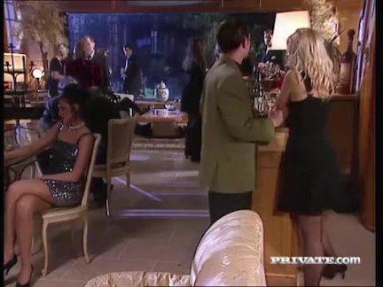 Сильвия санкт сосет член на вечеринке в то время как все часы