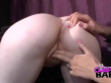 Сексуальный грудастая лесби косплей