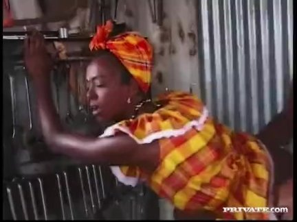 Негритянка красотки багира это трах по жестоко белый член