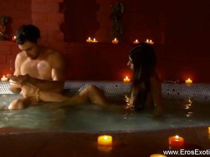 Экзотические сексуальные страсти из индии