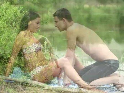 Эвелин деллай, приезжайте плавать со мной