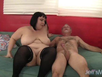 Сексуальный толстый входит жирная член и дрочит кончить