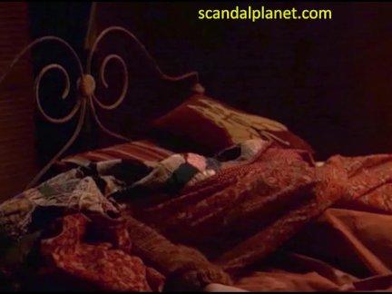 Дженнифер нелли ню сцена в пробуждение мертвый фильм