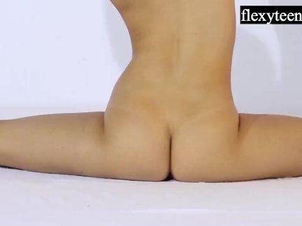 Андрейкина выполняет гимнастику для флекситинс