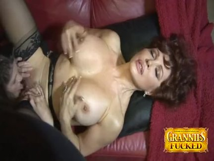 June Summers And Sexy Vanessa Lesbian Playtime