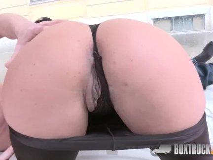 Коко Де Мальс, занимаются страстный секс