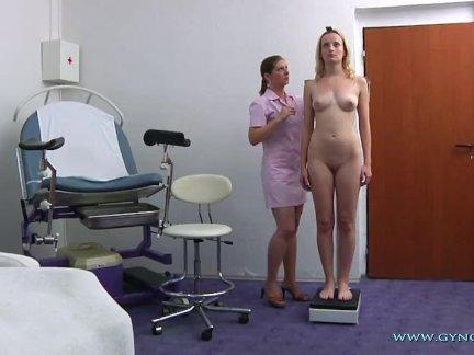 Анджелина гинекологический экзамен
