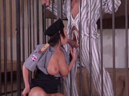 Тюрьма охранники фантазии ебёт через в бары