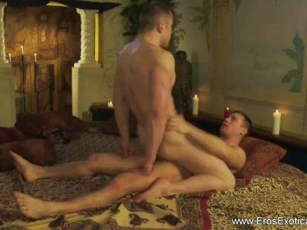 Экзотические сексуальные методы двух геев любителей