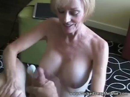 Бабуля хочет грубо ебёт