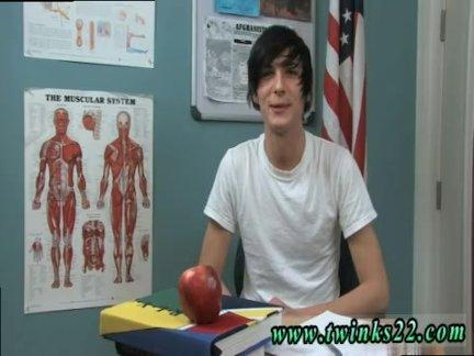 Молодой подросток обнаженной передний мальчик гей первый раз