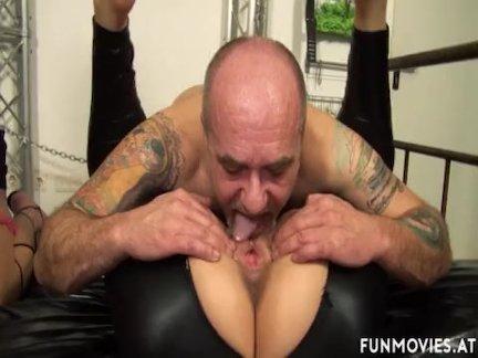 Зрелые любительское немецкий би-сексуальная оргия
