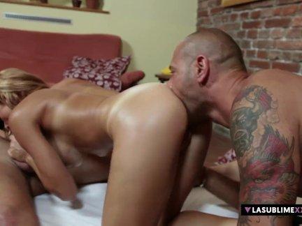 Ласублимекскскс-стейси сильвер имеет анальный секс втроем два молодых парней