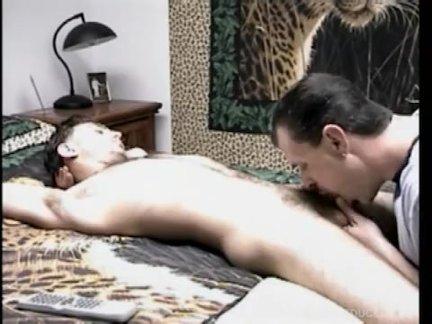 Винни остасывает от волосатые натурал мальчик поли