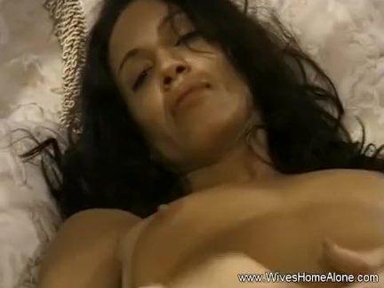 Интенсивный оргазм для итальянской жены