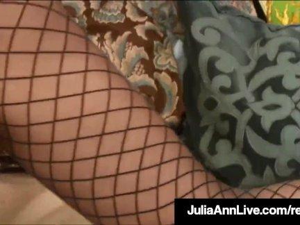Майор горячая мама джулия энн трогает себя пока она оргазмы!