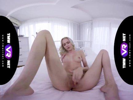 Тмвврнет-марта-нежный блондинка показывает ее страстная вечеринка