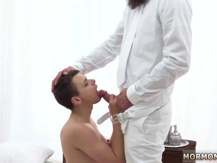 Китай гей сексуальный мальчик трахают бесплатный фильм