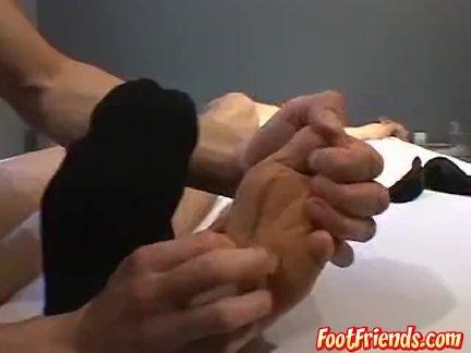 Сексуальная миг Чип поставляет дикие щекотки Дилан Запад