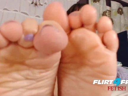 Флиртфри фетиш брук фокс-эбони детка доминирование латекс и ноги фетиш