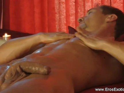 Эротический массаж для себя